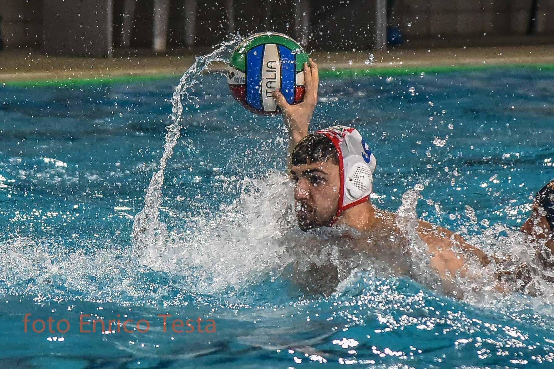 Pallanuoto campionato serie a1 regular season 10 giornata la carisa r n savona vince - Piscina zanelli savona ...